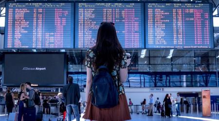 airport-2373727_1920